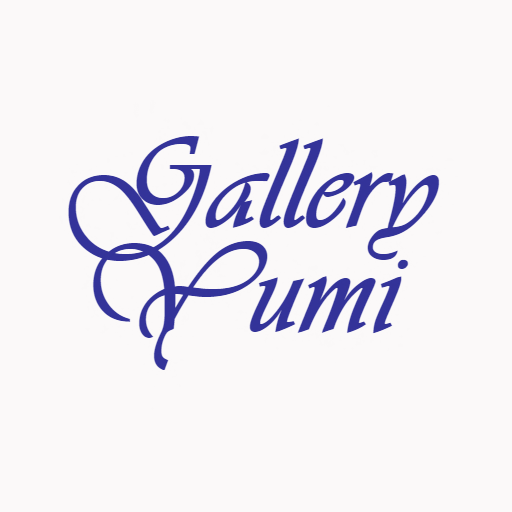 Gallery Yumi logo - blue stylized letters on a white background